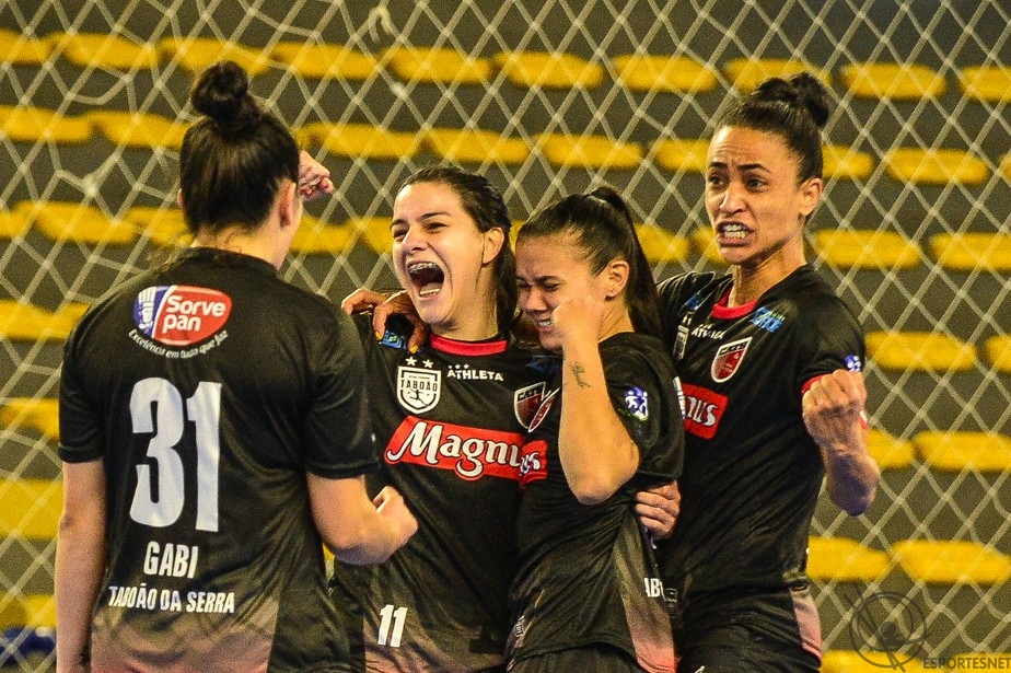 CATS futsal feminino conquista supercopa e vai a Libertadores